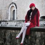 Raffaella Saturni in L'Aquila en rouge